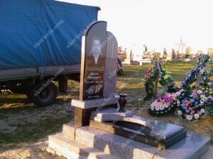 Памятник - работа 049