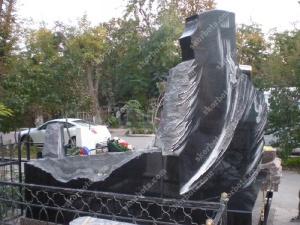 Памятник № A105 Памятник гранитный