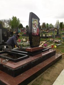 Памятник - наша работа № 241