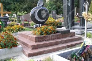 Памятник - работа 015
