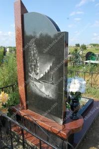 Памятник - работа 003 вид сзади