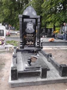 Памятник - наша работа № 143